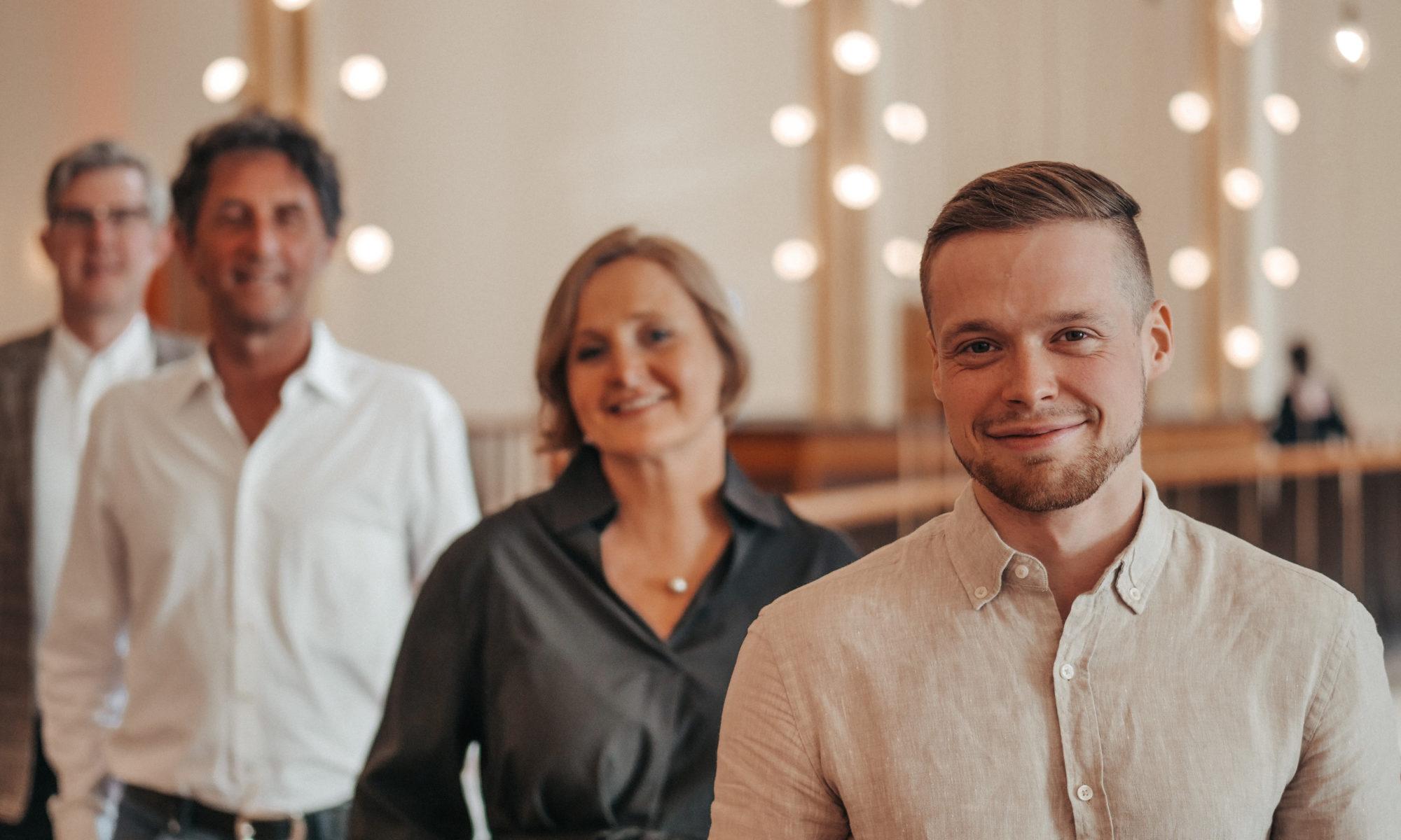 Andre Burghardt mit den anderen Ratskandidierenden im Stadtbezirk Rodenkirchen